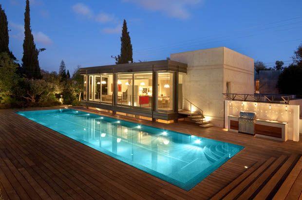 สร้าง สระว่ายน้ำในบ้าน
